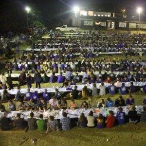 Over 1000 kids having Shabbat supper together last Friday night